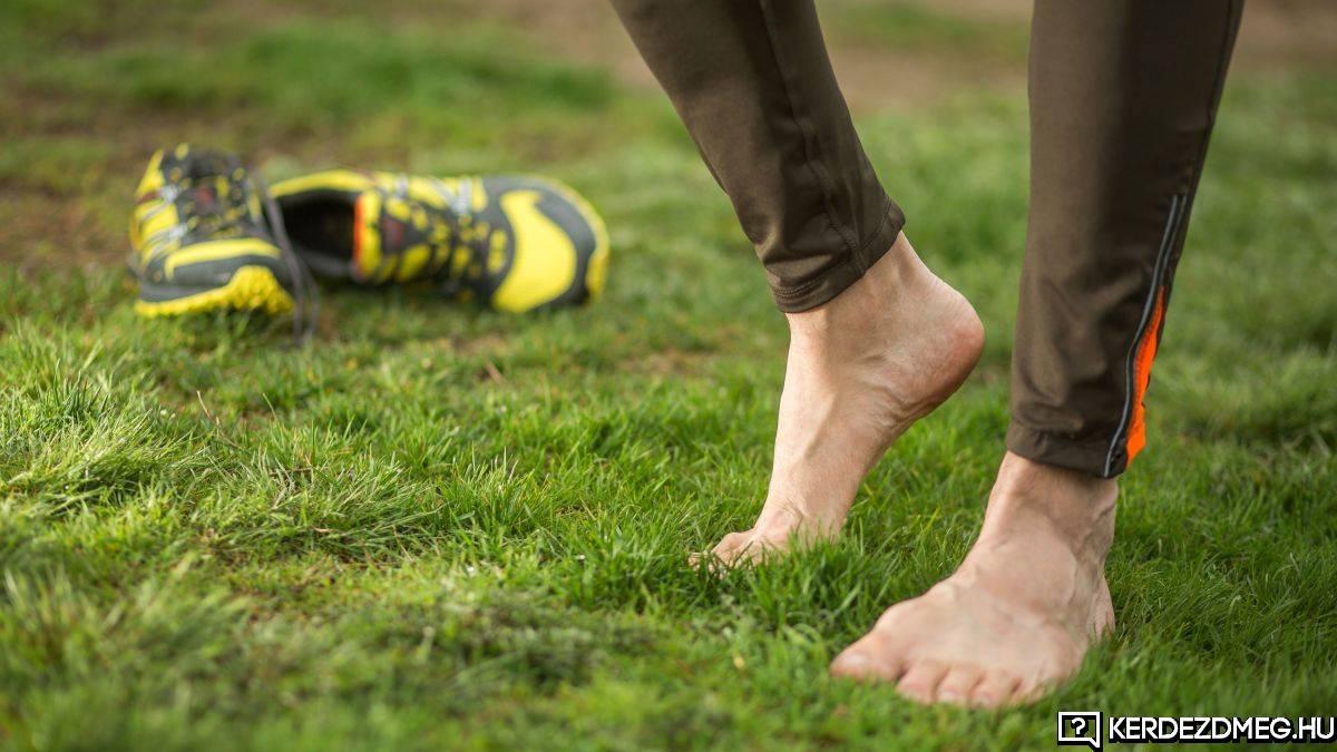NEm tudom hogy vagytok ti, de én imádok a fűben mezítláb lenni.